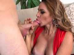 luscious-cougar-gabriela-blows-her-hung-driver
