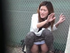 oriental-slut-pee-public
