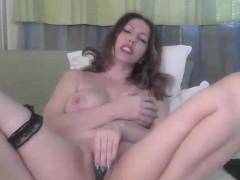bbw-milf-masturbating-pussy-on-webcam-cams69-dot-net