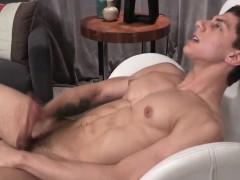 Barebacking hunk cumspraying on tight ass