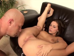 yummmy-ass-licking-with-brunette-babe-gracie-glam