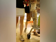 bootylicious-babes-walking-in-the-supermarket-are-secretly
