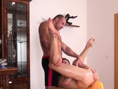 twink-amateur-jerking-during-muscle-massage