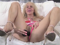 erica-lauren-pink-panties-and-toy