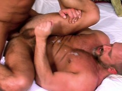 Mature Muscly Bears Fuck