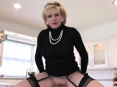 unfaithful-uk-milf-lady-sonia-shows-off-her-huge-naturals