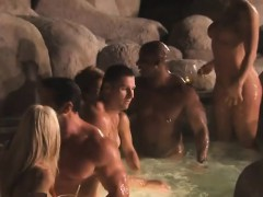 swinger-newcomers-enjoy-the-attention-they