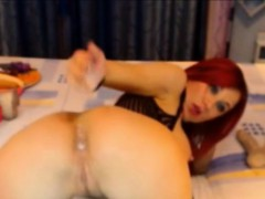beauty-redhead-ass-fingering