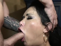 Skillful Chap Helps The Tranny To Get Off By Some Hardcore