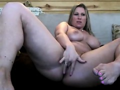 blonde-milf-masturbates-front-the-webcam