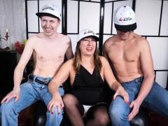 Scambisti Maturi Mature Italian Newbie Has A Mmf Threesome