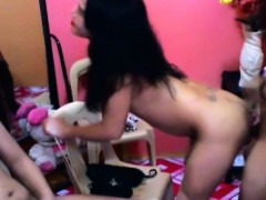 hot-and-sexy-shemale-trio-jack-off-on-cam