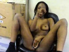 bare-black-girl-masturbates-in-seat