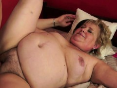 bigtitted-gilf-banged-on-the-bed