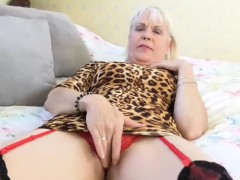 europemature-lady-sextasy-solo-play