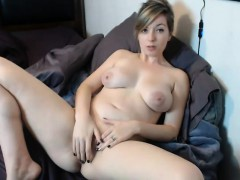 mandy-shows-her-pussy-off