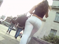 spectacular-teenager-pawg-in-small-trousers-that-are-white