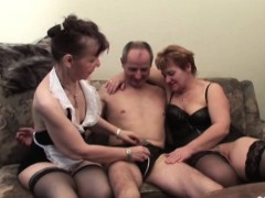 two-grannies-in-threesome-vege-fucking