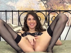 riley-reid-in-stockings-makes-herself-cum-with-her-toy