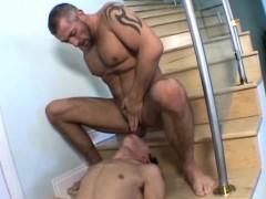 Muscled Papa Having Oral Fun With A Skinny Twink