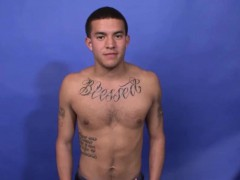 Buff Latino Solo Tugging