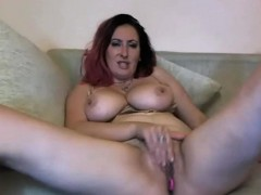 big-natural-tits-milf-rubbing-her-pussy-and-toying-her-ass