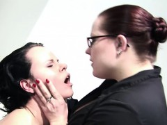two-british-mature-chubby-lesbians-enjoy-hard-fucking-in