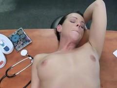 nurse-caught-doctor-bangs-patient