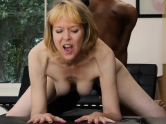mature-milf-fucks-young-black-guy