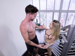 aubrey-sinclair-sucking-a-big-cock-for-the-first-time