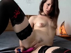hot-sexy-brunette-camgirl-toying-solo