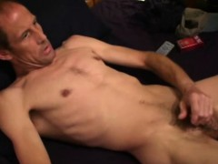 mature-amateur-bill-jacks-off