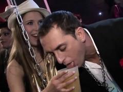 Ravishing Darlings Get Kinky At The Club