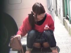 kinky-teens-pee-in-street