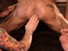 Muscle Hunk Rides Fist
