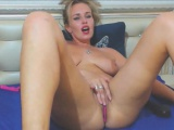 Vibe Voyeur Show With Tanned Blonde