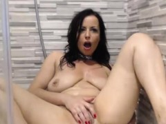 cute big tits milf toys herself on webcam xxx.harem.pt