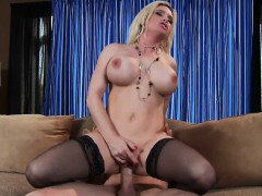 brazzers-milfs-like-it-big-serving-up-gr