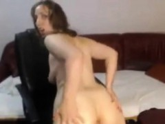 lonely wife sticks a toy up her booty in the chatroom xxx.harem.pt