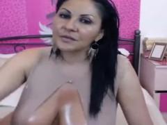 hot-latina-milf-cam-show
