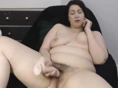 canadian-curvaceous-lady-with-hairy-pussy