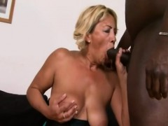 granny-sarah-gets-filled-by-long-black-dong