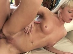 beauty-endures-dad-for-a-entire-hardcore-in-her-room