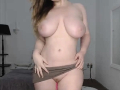 amateur-megan-fox21-flashing-boobs-on-live-webcam