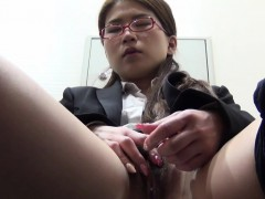 hairy-pussy-asian-fingers