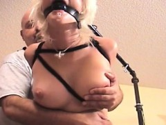 Breasty Gal Gets Highly Horny While Being Bounded Tight