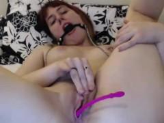 sweet-kinky-camgirl-simply-loves-masturbating