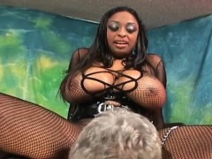 Black Attractive Babe Sucks White One eyed Monster