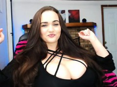a-bbw-showing-her-big-bouncy-boobs
