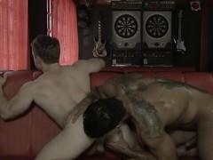 Homo Blow Job At The Garage